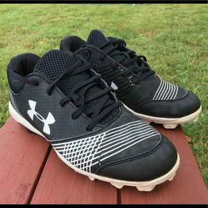 Under Armour ladies cleats size 7.5